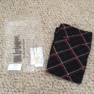 NWT LuLaRoe Tall and Curvy Plaid Leggings